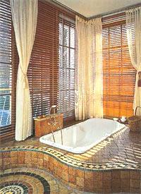 Дизайн ванны на подиуме